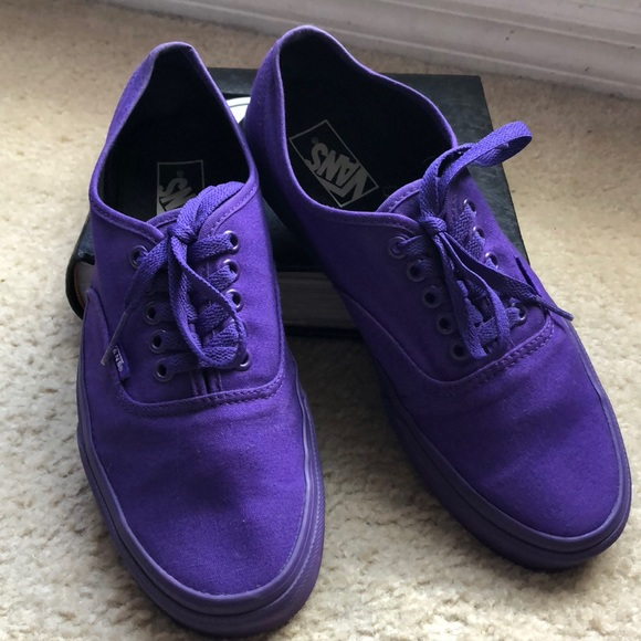 29189415d0463f Vans - Solid Color Series (Purple). M 5a92e3b63a112e5037275351
